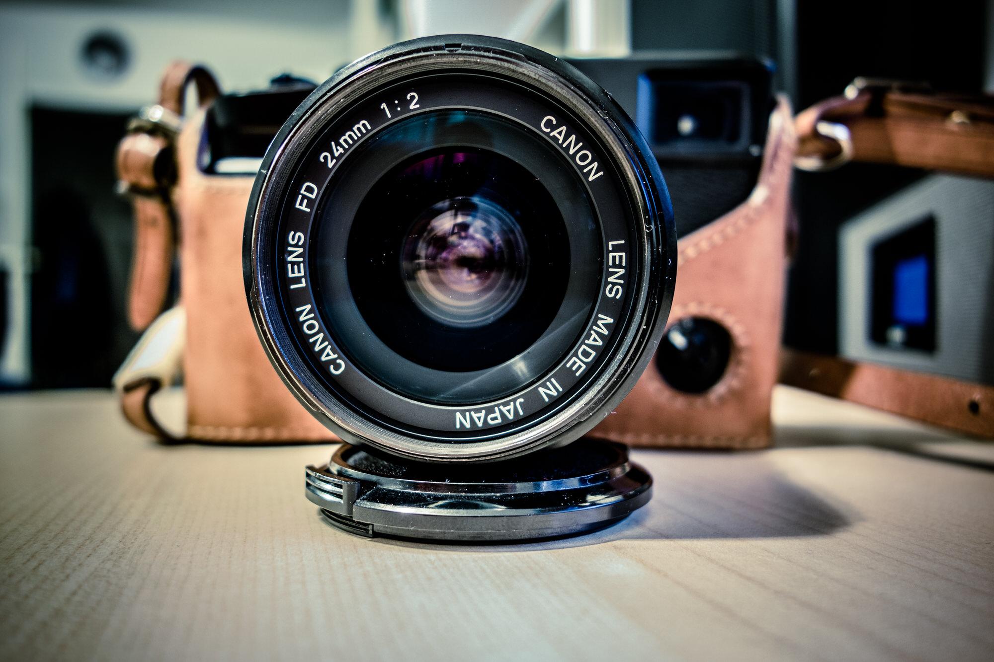 Canon FD 24mm f/2 Objektiv an einer Fuji X-Pro1